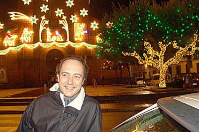 Villa del Río invita a la Navidad con una espectacular iluminación