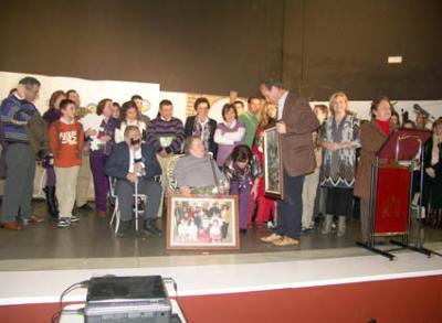 Manuela Alcaide recibe el cariño de Villafranca
